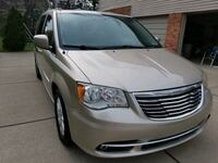 2014 Chrysler Town & Country Touring - PRICE REDUCED