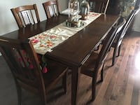 Rectangular brown wooden table with six chairs dining set Dollard-des-Ormeaux, H9H 2A4