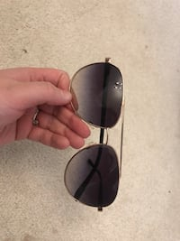 Michael Kors sunglasses London, N6K 0A9