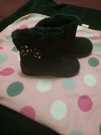 Black boots girls size 6