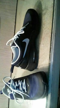 Nike shoes size 3y