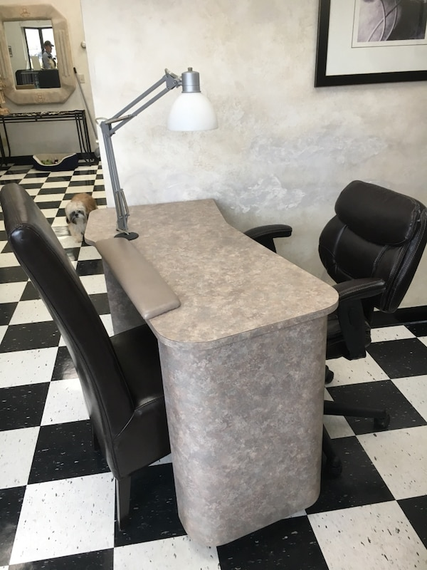 Used 4 brown leather nail tech chairs. 2 nail technician tables Like ...