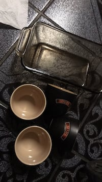 5 pc one meat loaf glass pan two cup says mine two cups sayyours  North Las Vegas, 89030