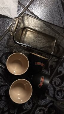 5 pc one meat loaf glass pan two cup says mine two cups sayyours
