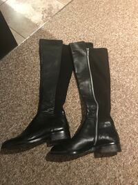 pair of black leather boots Grimsby, L3M 2Z9