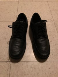 pair of black leather dress shoes Winnipeg, R2K 4A1