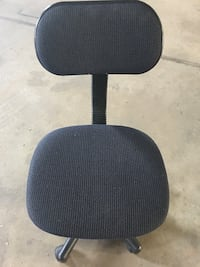 Desk Chair W/Rollers