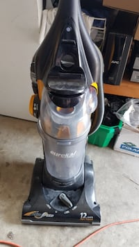 AIRSPEED UPRIGHT VACUUM IN GREAT CONDITION AND GOOD WORKING ORDER  Calgary