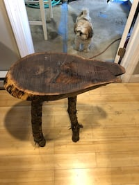 Rustic end table  406 mi