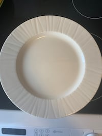 New like condition dishes  Toronto, M5N 2N9