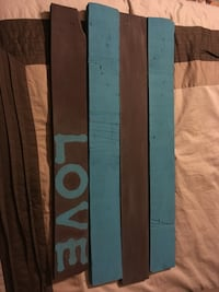 Brown and blue pallet sign board