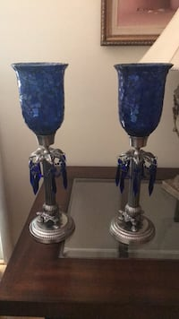 Beautiful set of 2 candles holders, in great condition. Springfield, 22150