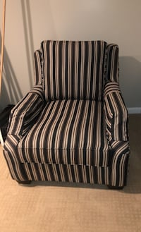 King Hickory over sized chair -New Warrenton, 20187