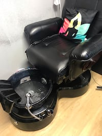 black leather padded rolling armchair Pikesville, 21208