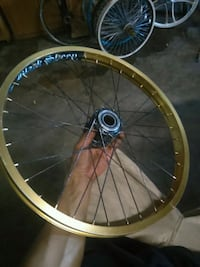round brown and black bicycle wheel Bakersfield, 93305