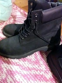 pair of black leather work boots 49 km