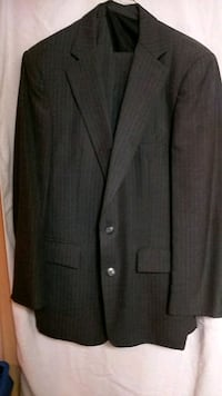 Men's Gray Pinstripe 3 -PC. Suiy Houston, 77042