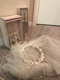 Wedding items 817 mi