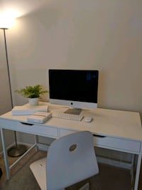 Mac+Accessories/Desk/Chair Centreville