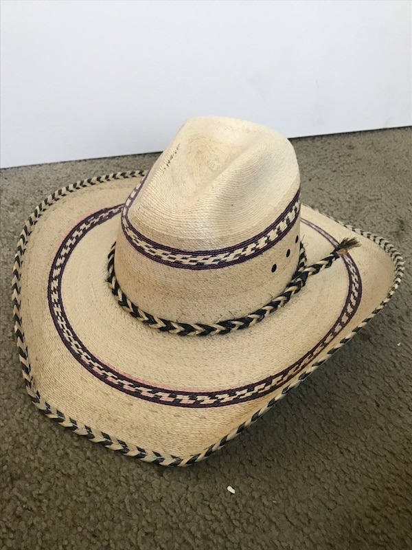 8a3c607c27be1 Used White and black cowboy hat for sale in Conroe - letgo