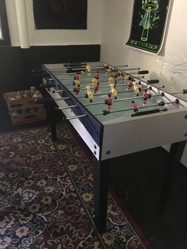 Fooseball Table 2e04a29c-cb95-45f4-9ccf-17397b7c2e40