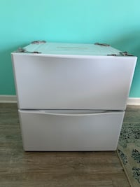 Two pedestal drawers for washer & dryer