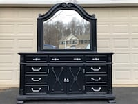 Gorgeous Large Solid Wood Long Dresser With Mirror Black With Silver Handles  Manassas, 20112