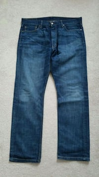 Levis 513 Slim straight jeans. ***PICKUP ONLY*** Port Coquitlam, V3B 7Z8
