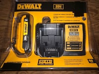 Dewalt 20 Volt 2.0ah battery and charger  Markham, L3P 6N3