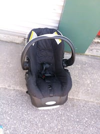 baby's black and gray car seat carrier Wildwood Crest, 08260