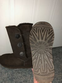 size 8 bailey button uggs Calgary, T3G 3W1
