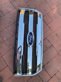 2015-2017 f150 take off grill in chrome finish. No scratches or cracks in grill all tabs in tack. Won't work on older model f150's. $160 Southwest Ranches, 33332
