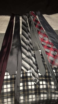 black and red plaid pants Des Moines, 50320