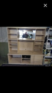 TV Wall Unit Beaconsfield, H9W 1K3