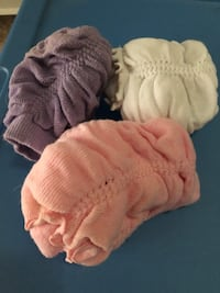 Three baby leggings keep baby warm & quickly change diapers Vienna, 22180
