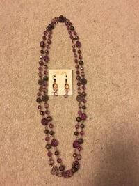 Women's costume necklace and earrings Rutherford, 07070