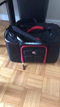 Athletic lunch bOx bag black  Vancouver, V6E 1K7