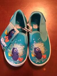 pair of teal Finding Dory printed slip on shoes Nashville, 37208