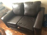 black leather 2-seat sofa Mississauga, L5N 2A8