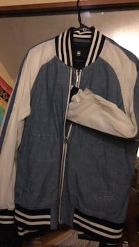 White and black zip-up jacket Vancouver, V5L 1W9