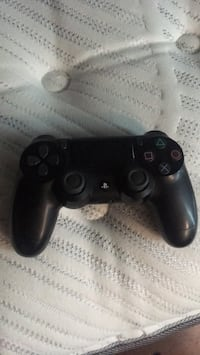 black Sony PS4 wireless controller Toronto, M1L 4A1