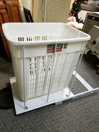 Laundry /hamper pulls out Locust Valley, 11560