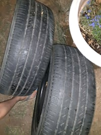 2 almost new Bridgestone P215/55R17 tirez Mansfield, 76063