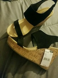 New Black sandals size 7 1/2  tags still on Upper Darby, 19026