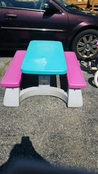 white, blue, and pink plastic picnic table Pawtucket, 02861