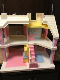 Used Vintage Playskool Dollhouse For Sale In Seven Hills Letgo