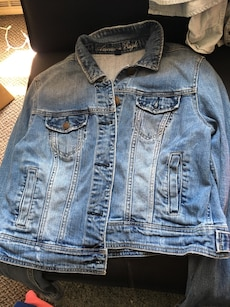 blue denim American Eagle button up jacket