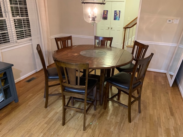 Dining Room Pub Table 400obo
