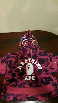 Bape Sweater Kingston, K7K 5Z4