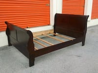used queen wood sleigh bed Nashville, 37211